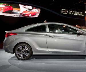 Hyundai Elantra photo 14