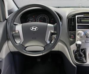 Hyundai H1 Travel photo 10
