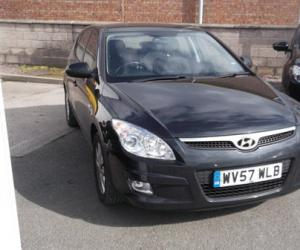 Hyundai i30 2.0 CRDi photo 9