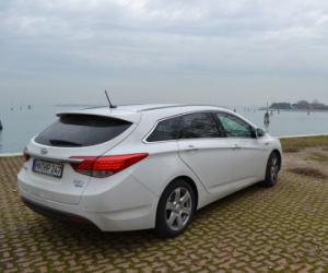 Hyundai i40cw photo 11