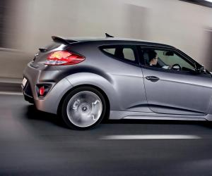 Hyundai Veloster photo 2