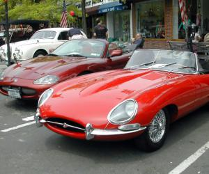 Jaguar E-Type photo 4