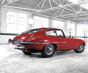 Jaguar E-Type photo 11