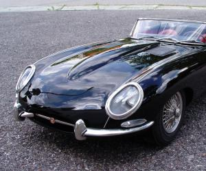 Jaguar E-Type photo 12