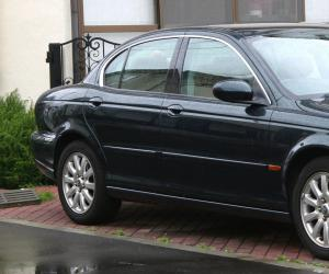 Jaguar X-Type photo 1