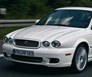 Jaguar X-Type 3.0 V6 Executive photo 8