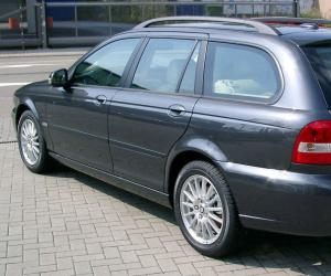 Jaguar X-Type Estate photo 10