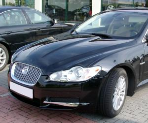 Jaguar XF photo 2