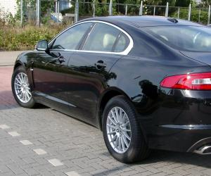 Jaguar XF photo 3