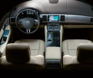 Jaguar XF photo 7