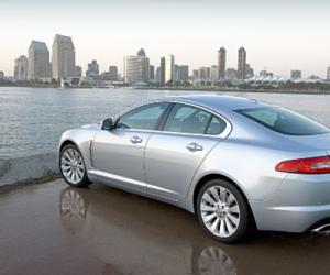 Jaguar XF photo 12
