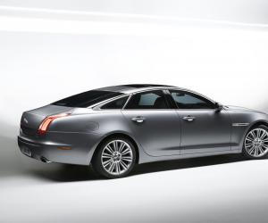 Jaguar XJ photo 1