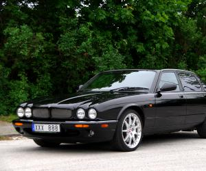 Jaguar XJR photo 1