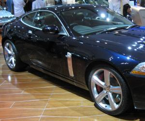 Jaguar XKR Portfolio photo 1