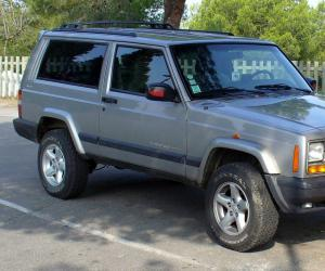 Jeep Cherokee photo 11