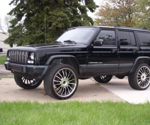 Jeep Cherokee photo 13