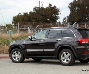 Jeep Grand Cherokee photo 3