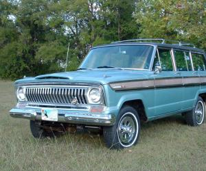 Jeep Super Wagoneer photo 1