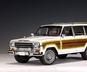 Jeep Wagoneer photo 6