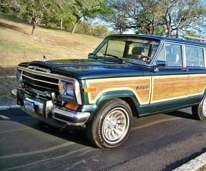 Jeep Wagoneer photo 10
