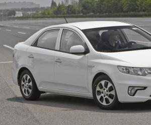 Kia Forte LPI Hybrid photo 2
