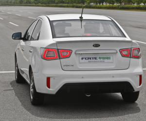 Kia Forte LPI Hybrid photo 11