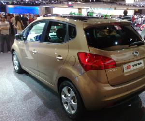 Kia Venga photo 11