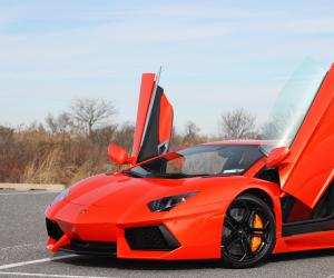 Lamborghini Aventador photo 8