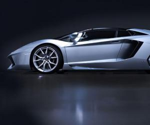 Lamborghini Aventador Roadster photo 3