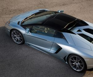 Lamborghini Aventador Roadster photo 4