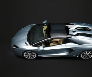 Lamborghini Aventador Roadster photo 9