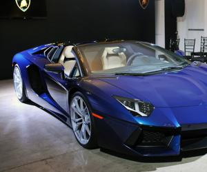 Lamborghini Aventador Roadster photo 11