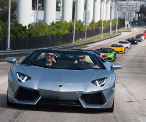 Lamborghini Aventador Roadster photo 14