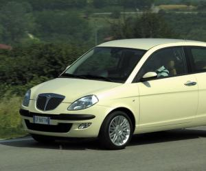Lancia Ypsilon 1.4 16v photo 1