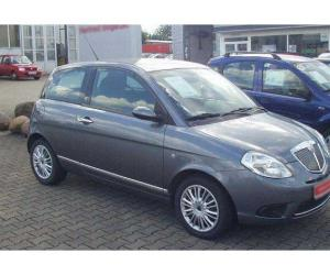 Lancia Ypsilon 1.4 16v photo 9