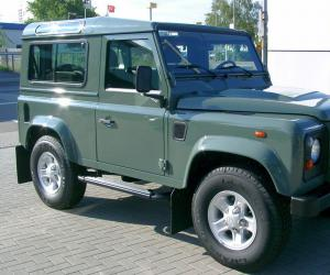 Land-Rover Defender photo 1