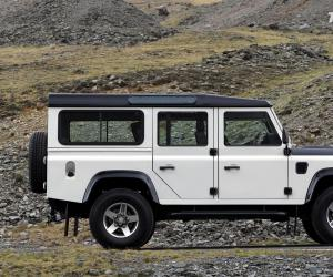 Land-Rover Defender photo 4