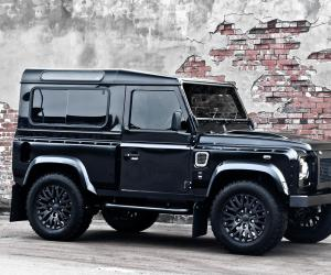 Land-Rover Defender photo 5