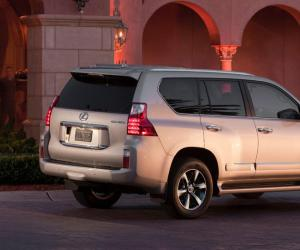 Lexus GX 460 photo 2