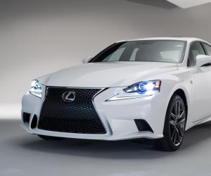 Lexus IS photo 4