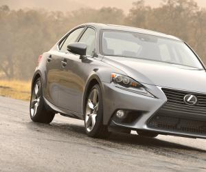 Lexus IS photo 9