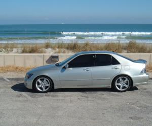 Lexus IS 300 photo 1