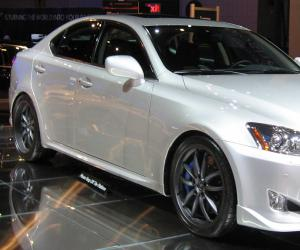 Lexus IS-F photo 3
