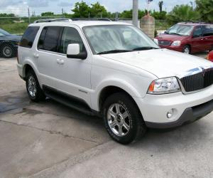 Lincoln Aviator photo 2