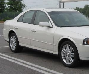Lincoln LS photo 1