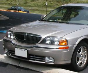Lincoln LS photo 2