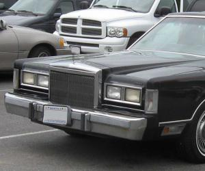 Lincoln Town Car photo 1