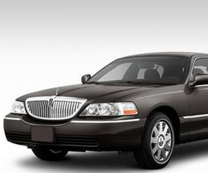 Lincoln Town Car photo 6