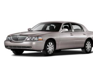 Lincoln Town Car photo 12