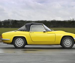 Lotus Elan photo 2